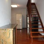 2階の玄関から建物内を撮影。
