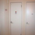 1階のトイレ&シャワー室です。